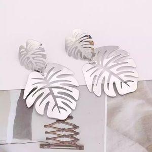 Jewelry - Silver Leaf Palm Drop Earrings